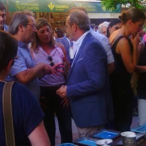 Reyes Merchán, Rocío Fernández y Antonio Lera de Ciudadanos en la inauguración de la Feria de la Cerámica