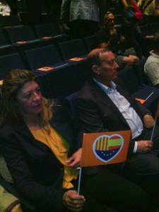 Ciudadanos concejala Reyes Merchán y coordinador Antonio Requejo en acto central en Barcelona(20-09-2015)