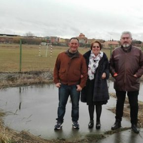 El procurador José Ignacio Delgado y la alcaldesa de Matilla de Arzón solicitan fondos para recuperar la  zona deportiva del Salinar