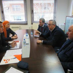 Ciudadanos y la patronal abordan en una reunión de trabajo las fórmulas para la revitalización de la calle San Torcuato y el problema de las licencias